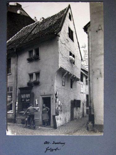 Abbildung 9 (Stadtarchiv Duisburg, MD): Historisches Foto der Holzgasse, vermutl. 1930er Jahre
