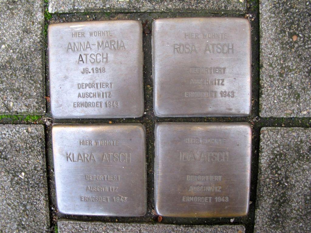 Abbildung 27 (MD): Die Stolpersteine vor der Koloniestraße 135