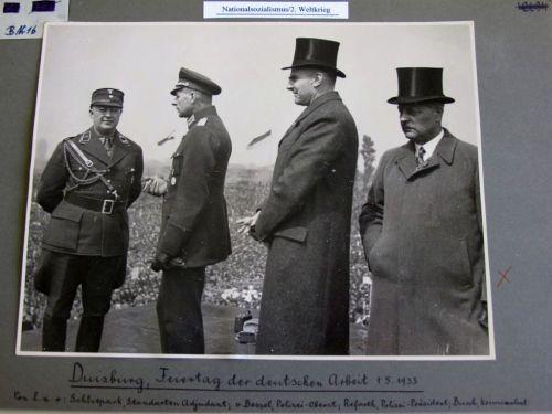Abbildung 30 (Stadtarchiv Duisburg, MD): Die Duisburger Polizeiführung am 1. Mai 1933